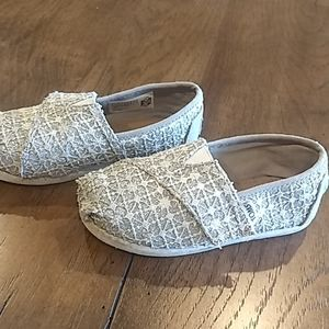 Toms toddler size 8